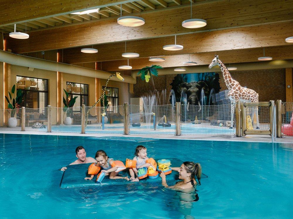 Beekse Bergen Zwembad.Zwemmen In Maji Springs Safari Resort Beekse Bergen