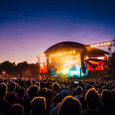 <p>Een festivalterrein voor 50.000 bezoekers</p>
