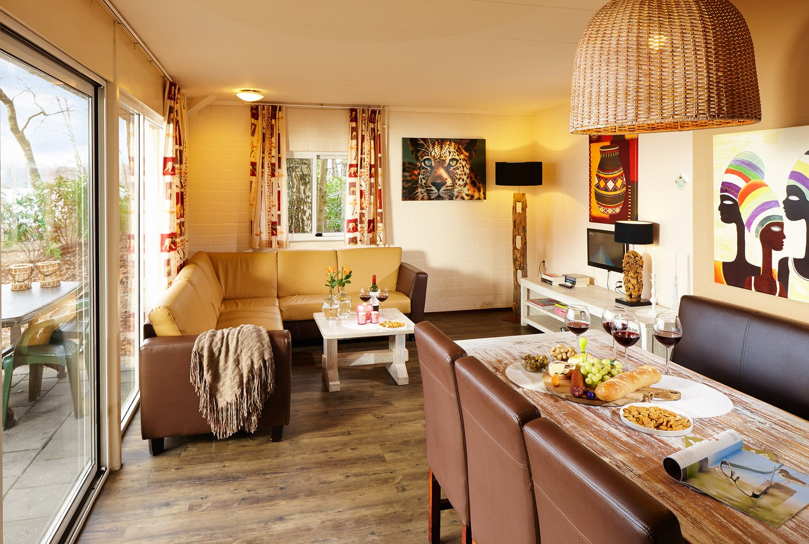 Stay the night in a luxurious Jungalow Plus   Beekse Bergen
