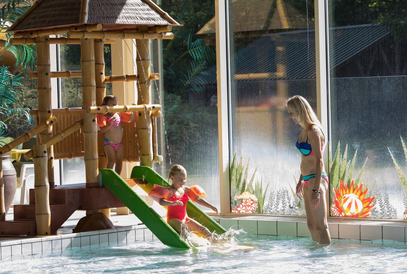Beekse Bergen Zwembad.Overnachten Tijdens De Voorjaarsvakantie Beekse Bergen