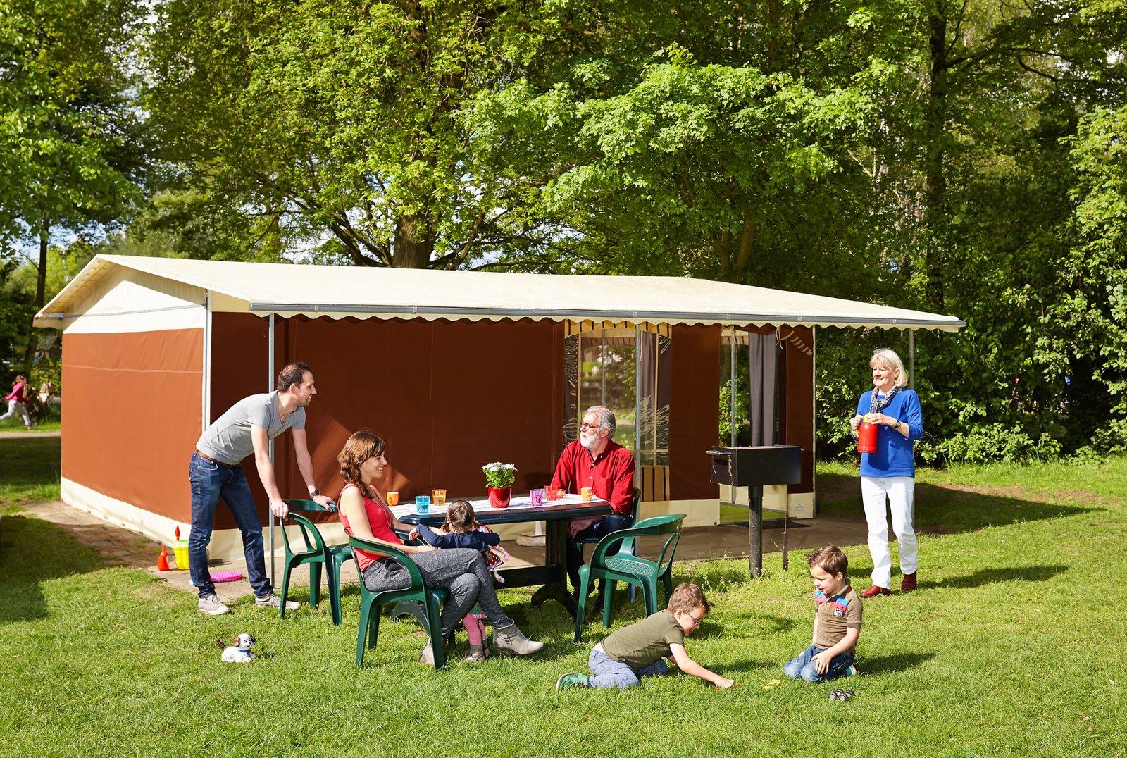 tent comfort vakantiepark beekse bergen & Stay in a 6-person Bungalow Tent | Beekse Bergen